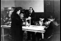 Dona votant Febrer 1936.Perez de Rozas